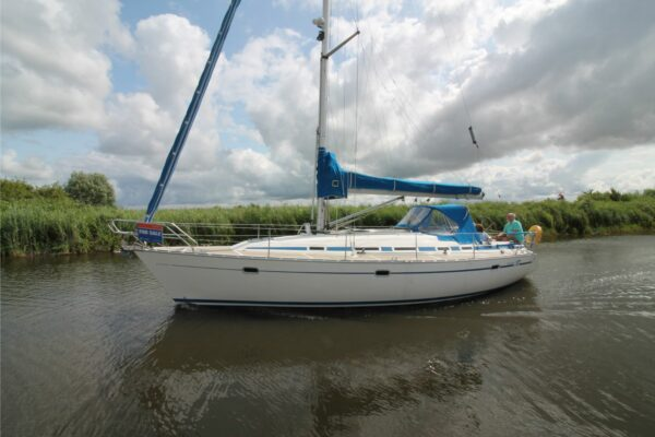 Bavaria_37-2_for_sale